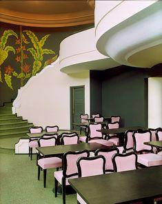 Chef-d'œuvre de la décoratrice américaine Dorothy Draper, l'hôtel-casino Palácio Quitandinha