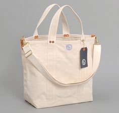 """ICE CARRIER"" TOTE, NATURAL :: HICKOREE'S"