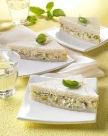 Tramezzini with eggcream - Snacks - cheese sandwich Taco Bell Recipes, Chicken Salad Recipes, Fruit Recipes, Panini Sandwiches, Toast Sandwich, Specialty Sandwiches, Food Platters, Snacks, Antipasto