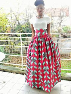 Long wax skirt (African loincloth): Skirt by pagnshopea - Fashion: lange Röcke - Jupe African Print Dresses, African Dress, African Attire, African Wear, Modelos Fashion, Couture Sewing, Africa Fashion, Mode Outfits, Mode Inspiration