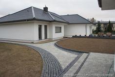blog budowlany - mojabudowa.pl Beautiful House Plans, Beautiful Homes, Driveway Repair, Garden Wall Designs, My House Plans, Bungalow House Design, 3 Bedroom House, Facade Design, Facade House