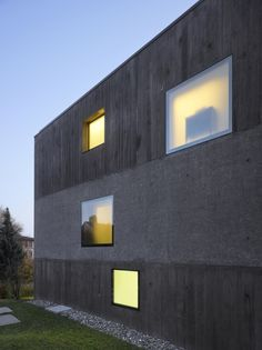 Urban Villa Beaumont, Lausanne, Switzerland by 2b Architects