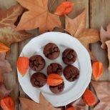 Συνταγή: Σοκολατένια μπισκότα με ταχίνι, αλεύρι φαγόπυρου και μέλι | Συνταγούλης