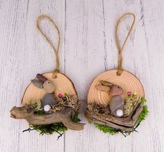 60 Easter Holiday Home Decorations Easter Crafts Ideas Rock Crafts, Diy And Crafts, Wood Slice Crafts, Coaster Crafts, Diy Ostern, Easter Projects, Easter Holidays, Diy Christmas Ornaments, Spring Crafts