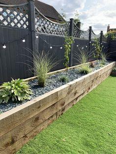 Back Garden Design, Modern Garden Design, Modern Design, House Garden Design, Small Garden Landscape Design, Garden Wall Designs, Raised Bed Garden Design, Garden Design Plans, Fence Design