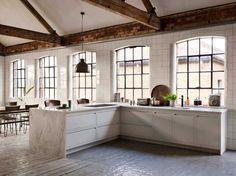 A Linear Edge warehouse kitchen design Warehouse Kitchen, Warehouse Apartment, Loft Kitchen, New Kitchen, Kitchen Decor, Kitchen Ideas, Warehouse Plan, Beige Kitchen, Kitchen Stuff