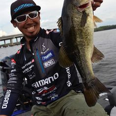 #Repost @shimanofish  Let's go @keniyobe!! Shimano pro Ken Iyobe is currently in 12th going into Day 3 of the @bass_nation Elite Series at St. John's River.  Current Weight: 35-14 Leader: 39-6  Its gonna be a close one today! #fishshimano #keniyobe #bassmaster #bassmasterelite #stjohnsriver #florida #shimano #bass #bassfishing #sharemysea #ShareMySea