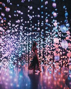 ideas for artistic fashion photography fantasy colour Artistic Fashion Photography, Girl Photography, Japan Travel Photography, Tara Milk Tea, Cool Pictures, Beautiful Pictures, Instalation Art, Quelques Photos, Museum Of Contemporary Art
