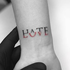 If you walk into a tattoo studio, you can easily see that there are virtually no limits to tattoo designs. and, as the work of a tattoo artist is much more than si Mini Tattoos, Body Art Tattoos, Tattoos For Guys, Cool Tatoos For Women, Arm Tattoos For Couples, Simple Tattoos For Girls, Little Girl Tattoos, Best Tattoos, Lover Tattoos