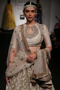 Aditi Rao Hydari for Jayanti Reddy at the Lakme Fashion Week Summer Resort 2016 Indian Attire, Indian Wear, Indian Outfits, Indian Dresses, Choli Designs, Lehenga Designs, Saree Blouse Designs, Dress Designs, Blouse Styles