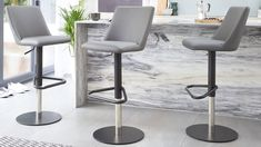Discover Danetti's contemporary breakfast bar chairs for your home. Our designer bar stools are ideal for the kitchen. View our modern kitchen stools online. Kitchen Stools Uk, Bar Stools Uk, White Bar Stools, Bar Stool Seats, Counter Stools, Kitchen Dining, Contemporary Bar Stools, Modern Bar Stools, Stainless Steel Bar Stools