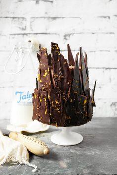 Chocolate orange shard cake from twigg studios Chocolate Orange, Love Chocolate, Delicious Chocolate, Chocolate Desserts, Delicious Desserts, Dessert Recipes, Chocolate Shard Cake, Yummy Food, Bonfire Cake