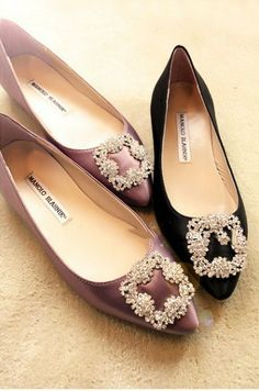 ideas for womens shoes flats casual wedges Trendy Womens Shoes, Glass Shoes, Manolo Blahnik Hangisi, Shoe Clips, Pretty Shoes, Skate Shoes, New Shoes, Wedding Shoes, Me Too Shoes