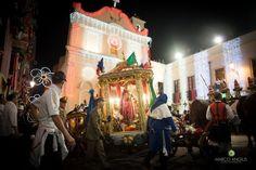 Il rientro di Sant' Efisio   una delle processioni religiose più suggestive ed emozionanti.  http://goo.gl/8als32  #santefisio #cagliari #rientro #notturno #fotografo #marcoangius