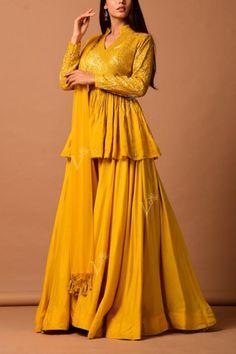 Fancy Wedding Dresses, Party Wear Indian Dresses, Indian Gowns Dresses, Indian Bridal Outfits, Dress Indian Style, Indian Fashion Dresses, Indian Designer Outfits, Designer Anarkali Dresses, Designer Party Wear Dresses