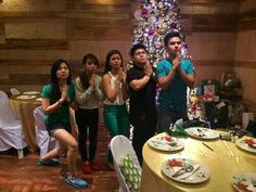 """This is Sharlene San Pedro, Miles Ocampo, and three other alumni of Goin' Bulilit doing a pose from their old telenovela, """"Mga Anghel na Walang Langit"""" during the Christmas party and reunion of the original cast and alumni of Goin' Bulilit at Direk Edgar Mortiz's house in Quezon City last December 2014. Indeed, they're another of my favourite Kapamilyas, and they're amazing Star Magic talents. #SharleneSanPedro #MilesOcampo #GoinBulilit #GoinBulilitGraduates Child Actresses, Child Actors, People Poses, Star Magic, Originals Cast, Quezon City, December 2014, Filipina, Abs"""