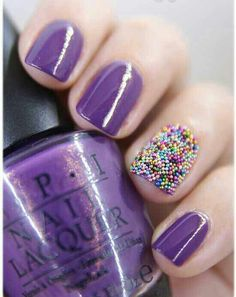NATURAL POLISHED NATURAL TOE AND RANDOM NAIL ART..