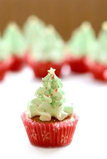 Christmas tree cupcake - cute!