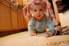 ENGELLİ PARKUR - Emekleyen bebeklerle oynanabilen, onların beden koordinasyonlarını geliştiren, yapabilirliklerine olan inançlarını arttıran ve onlara keşfetmenin hazzını yaşatan oldukça eğlenceli, aile katılımlı bir oyun.