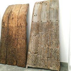 The jouney of an image - toolshedding: Threshing Boards Farm Tools, Tool Sheds, Primitive Antiques, Hobby Farms, Wood Sculpture, Sculpture Ideas, Wabi Sabi, Bulgaria, Tool Design