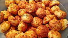 Ingredients 300 g flour 250 g curd 1 pack baking powder 8 tablespoons milk 6 tablespoons oil 1 teaspoon sal … Pizza Ball, Pizza Hut, Pizza Dough, White Pizza Recipes, Pizza Restaurant, Fried Onions, Casserole Recipes, Fries, Good Food