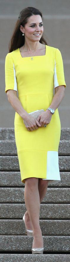 Kate greeted Australia in a sunny Roksanda Ilincic sheath at Sydney Opera House.