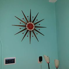 Large 26 inch Hand Made Mid Century style Brass Starburst Sunburst Clock by Royale Seth Thomas style in Sage with Blonde Teak Wood Spokes Mid Century Modern Lamps, Mid Century Modern Armchair, Sunburst Clock, Hand Wax, Retro Clock, Mantle Clock, Orange And Turquoise, Mid Century Style, Retro Design