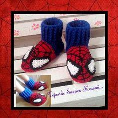 Pantuflas del Hombre Araña...  #spiderman2 #slipper#pantuflas #crochetaddict #crochetbaby #crochet  #tejidoamano #handmadeshoes #handmade #hilo#lana  #instagood #instacrochet   #hechoenméxico#slippers#shoes #hechoamano#patucos#zapatos #hombrearaña #ganchillo#tejiendosueñoskawaii