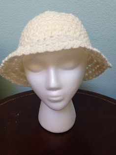 Crochet sun hat. Ivory hat. Ladies fashion. Summer or spring sunhat