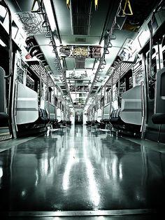 Tokyo Yamanote Line 深夜の山手線