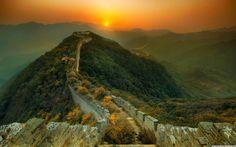 Io voglio poter vedere questa parte e non quella dove milioni di persone si affollano! Sezione della Grande Muraglia cinese invasa dalla vegetazione - Cina
