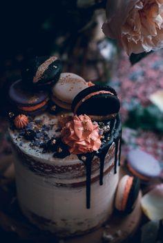 Receta adaptada de este libro: Rose's heavenly cakes book por Rose Levy Beranbaum. She loves me Cake – Pastel de Vainilla 4 yemas 160 g Leche 1 tsp Pasta de Vainilla o Extracto …