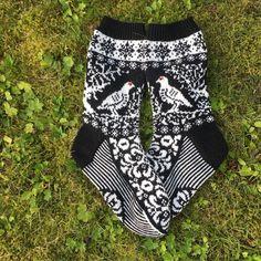 Knit Socks, Knitting Socks, Hand Knitting, Knitting Patterns, Long Johns, How To Start Knitting, Fair Isle Knitting, Boho Shorts, Knit Crochet