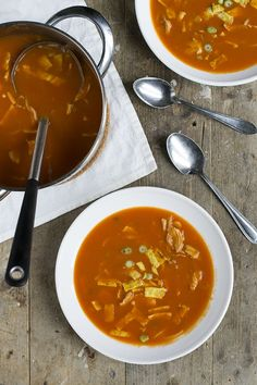 Chinese tomatensoep - Brenda Kookt! Tomato Soup Recipes, Asian Recipes, Ethnic Recipes, What To Cook, Curry, Pasta, Lunch, Cooking, Food