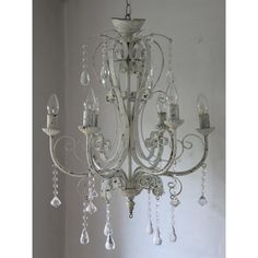 ręcznie wykonany stylowy żyrandol w starym stylu #chandelier #handmade #chic #elegant #old #style #vintage #crystals #white