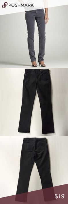 """J. Crew Matchstick Corduroy Pant in Dark Gray From the J. Crew Collection. Size 26 regular. Sits on hip and slim through hip and thigh with a straight leg. Inseam is approx. 30 1/2"""". 5-pocket design. Cotton with a hint of stretch. Color is a dark gray (darker then it appears in cover shot). Please note the care tag has been removed but should be machine washed in cold with like colors. Tumble dry low. Warm iron as needed. Gently used with no flaws. ❌NO TRADES❌NO PAYPAL❌ J. Crew Pants"""