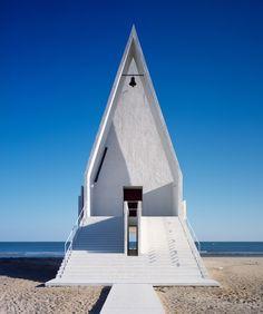 vector architects chapel designboom