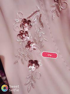 Zardozi Embroidery, Tambour Embroidery, Hand Work Embroidery, Embroidery Suits Design, Embroidery Fashion, Hand Embroidery Designs, Embroidery Dress, Beaded Embroidery, Embroidery Stitches