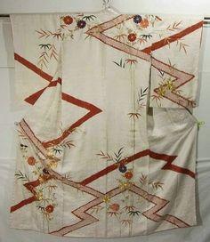 Gorgeous Embroidered Motifs In Shibori Stripes Pattern Houmongi