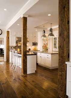 40 Awesome Craftsman Style Kitchen Design Ideas – Best Home Decorating Ideas Old Kitchen Cabinets, Wooden Kitchen, Rustic Kitchen, Cupboards, Kitchen Ideas, Kitchen Decor, Floors Kitchen, Decorating Kitchen, Red Kitchen