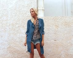 Denim trenchcoat http://Josieswall.com  #streetstyle #fashion #Fashionblogger #outfit #rippedjeans #denimtrenchcoat #blond