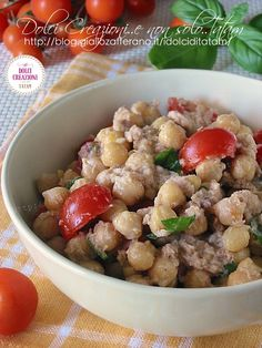 chickpeas and tuna in salads Veggie Recipes, Vegetarian Recipes, Cooking Recipes, Feel Good Food, I Love Food, Cena Light, Healthy Recepies, Italy Food, Slow Food