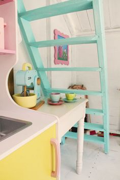 DIY: Pastel colored playhouse kitchen