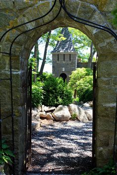 Beautiful old stone gateway to Hammond Castle in Gloucester, MA Rockport Massachusetts, Gloucester Massachusetts, Cool Places To Visit, Places To Travel, Hammond Castle, Old Gates, New England States, Future Travel, Day Trips