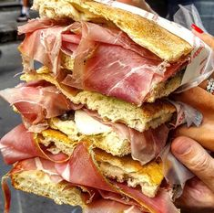You can't say you visited Florence without having tried its fabulous street food. Read our guide of top places on where to eat Florentine delicacies.