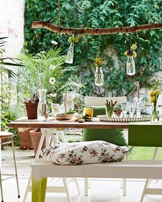 Try @Iheartorganize's top 8 tips (and @IKEAUSA product recommendations!) to help your deck, patio, and backyard live up to their full stylized potential. #sponsored