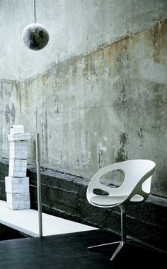 Japanese designer Hiromichi Konno has created the RIN™ chair as part of Fritz Hansen's collection for 2009; an elegant and futuristic chair, designed to evoke emotions.