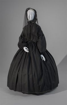 Unidentified maker, American, 19th century, Mourning Dress, c. 1839, Cashmere and twilled cotton, dress