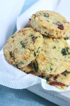 Cheesy Bacon and Kale Biscuits from Lauren Kelly Nutrition #glutenfree #nobutter #healthy