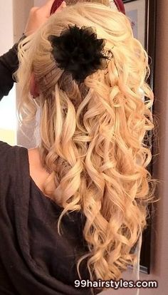 curly+blonde+hairstyle+ida+for+long+hair+-+Hairstyle+Ideas